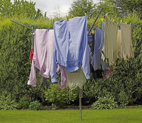 Use of a Rotary Clothesline