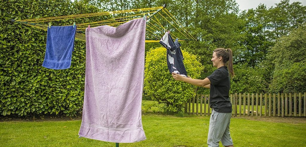 Benefits of Having a Rotary Clothesline